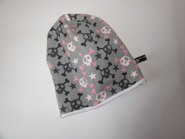 Beanie Mütze - Totenkopf in grau rosa